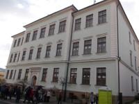 gymnázium. gymnázium. detail budovy 4136395f36