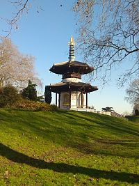 peace pagoda Battersea park