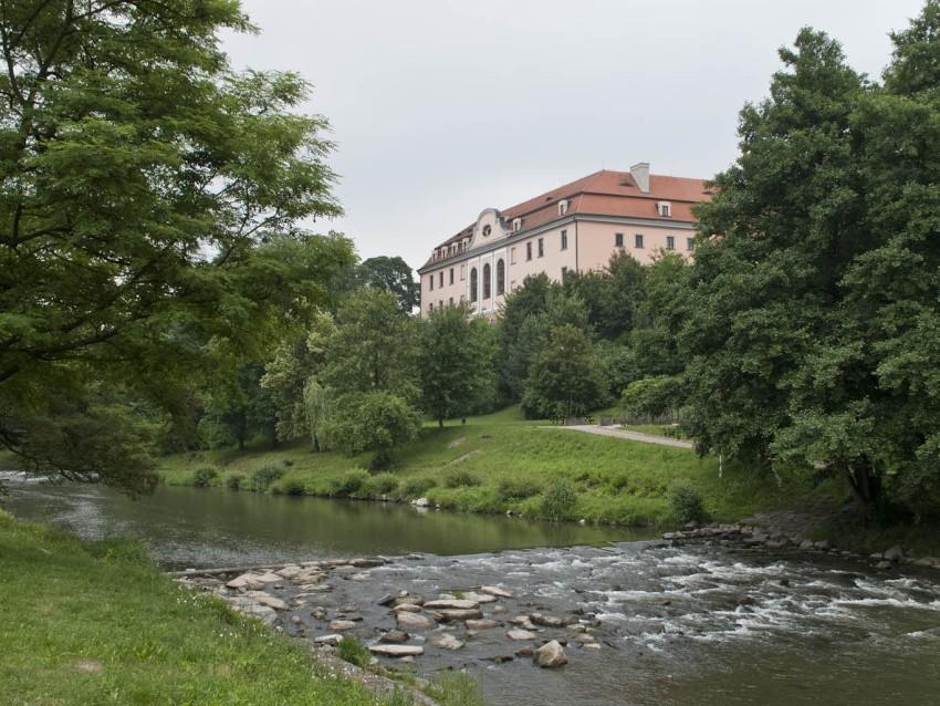 Soubor:Hustopee nad Bevou, ndra (01).jpg Wikipedie